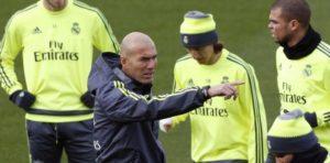 REAL MADRID – Exercice athlétique de vitesse-frappe proposé par Zinedine Zidane